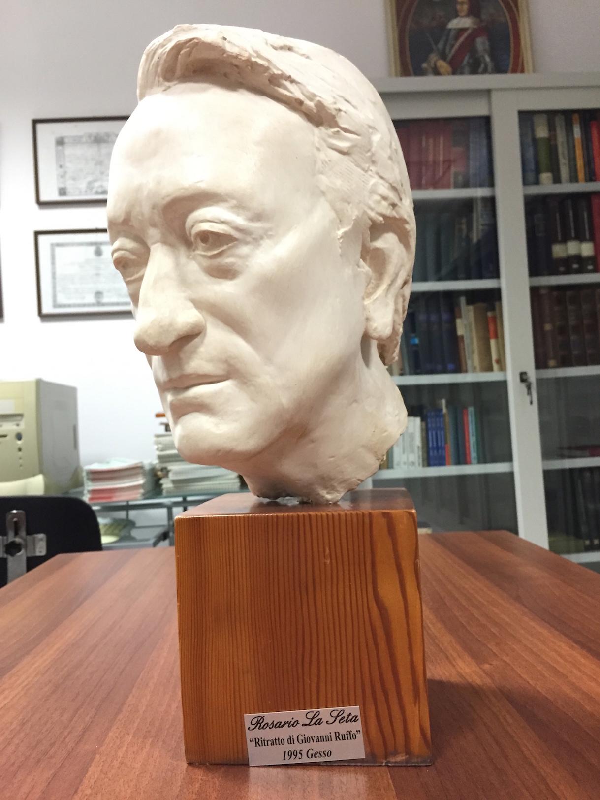 E. Nebot Busto