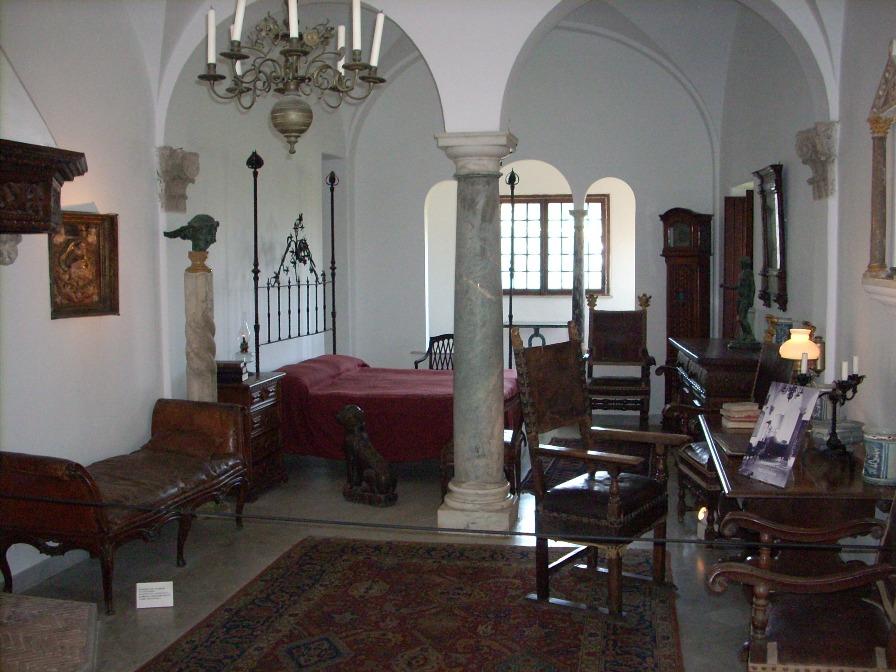 villa san michele himetop. Black Bedroom Furniture Sets. Home Design Ideas