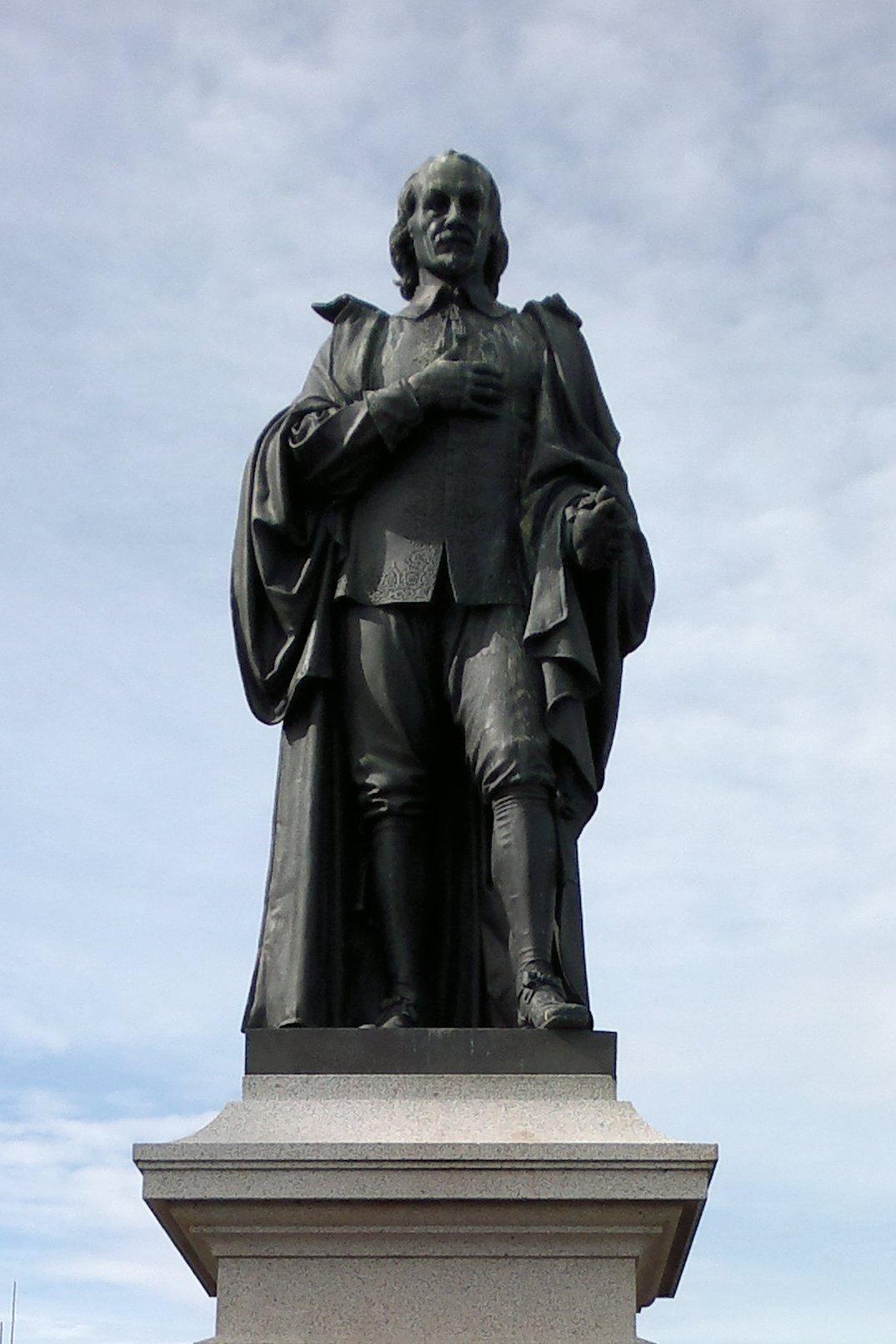 William Harvey statue - Himetop