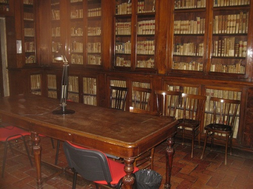 The%20library%20of%20Accademia%20Lancisiana%20%20%285%29.JPG