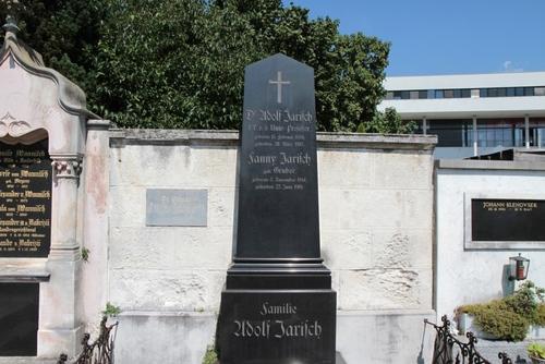 Adolf%20Jarisch%27s%20tomb%2C%20Leonhardfriedhof%2C%20Graz%20-%2003.JPG