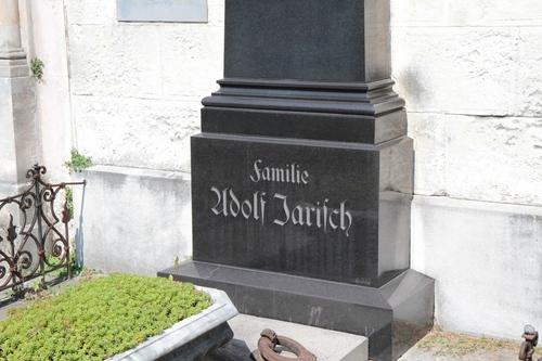 Adolf%20Jarisch%27s%20tomb%2C%20Leonhardfriedhof%2C%20Graz%20-%2005.JPG