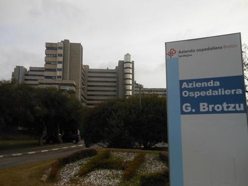 ospedale%20con%20targa.JPG