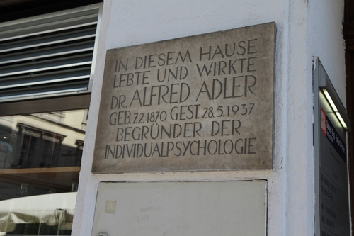Alfred%20Adler%27s%20home%20and%20consulting%20room%2C%20Vienna%20%20-%2003.jpg