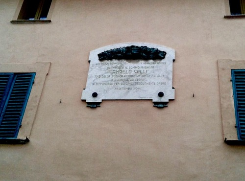Epigraph%20on%20the%20facade%20Angelo%20Celli%27s%20birthplace%201%20.jpg