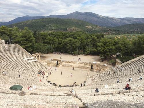 Theatre%2C%20Epidaurus%20%282%29.jpg