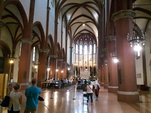 Basilica%20di%20San%20Francesco%2C%20Bologna%20-%2002.jpg