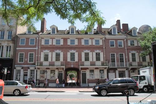Benjamin_Franklin_s_house_and_museum_Philadelphia_1.jpg