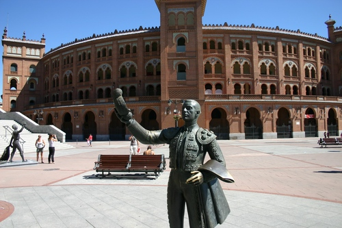 Bullfighters%27%20memorial%20to%20Alexander%20Fleming%2C%20Madrid%20-%2004.JPG