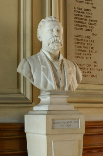 Charles%20Chamberland%27s%20bust%2C%20Institut%20Pasteur%20-%2002.JPG