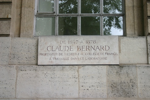 Claude%20Bernard%27s%20laboratory%20memorial%20tablet%2C%20College%20de%20France%2C%20Paris%20%282%29.JPG