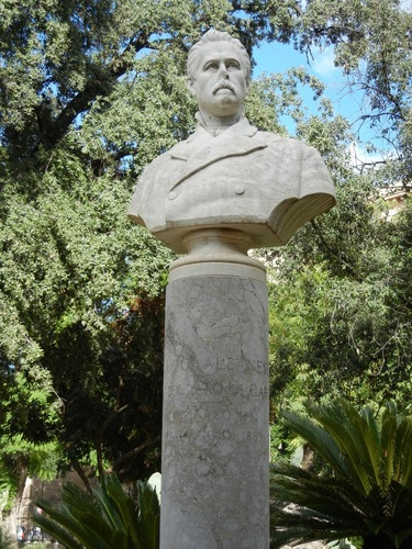 Enrico%20Albanese%27s%20bust%2C%20Palermo%201.JPG