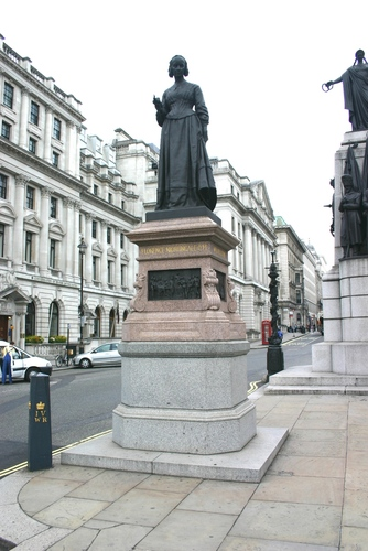 Florence%20Nightingale%2C%20Crimean%20War%20Memorial%2C%20London%20-%2004.JPG