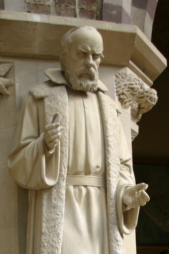 Galileo%20Galilei%27s%20statue%2C%20Oxford%20University%20Museum%20of%20Natural%20History%2C%20Oxford%20-%2002.JPG