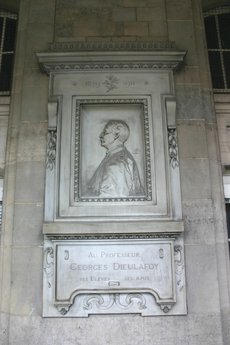 Georges%20Dieulafoy%27s%20memorial%20tablet%2C%20H%C3%B4tel-Dieu%2C%20Paris%20%282%29.JPG