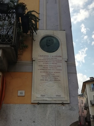 Giovanni_Calderini_Memorial_Tablet_Varallo_Sesia.jpg
