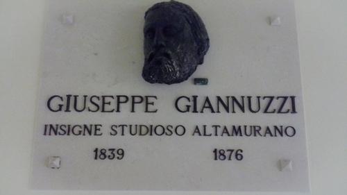 Giuseppe%20Oronzo%20Giannuzzi%27s%20head%2C%20Altamura%2001.jpg