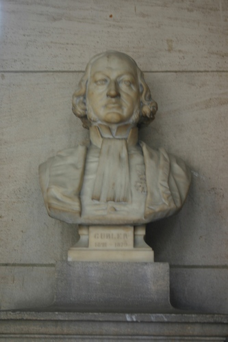 Adolphe-Marie%20Gubler%27s%20bust%2C%20Grand%20Hall%2C%20Universit%C3%A9%20Paris%20Descartes%2C%20Paris%20%282%29.JPG