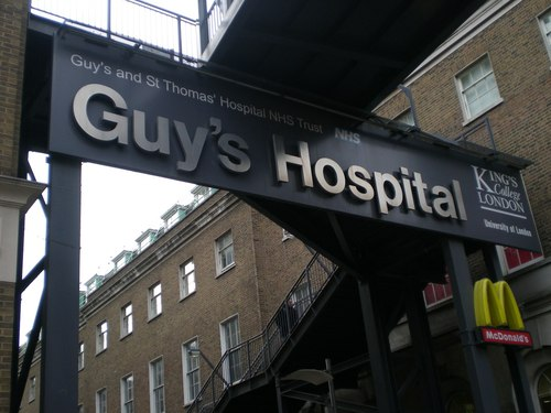 Guy%27s%20Hospital%2C%20London%20-%2006%20by%20Sarah%20Rizeq.JPG
