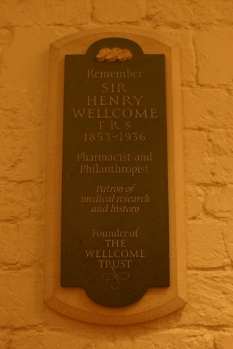 Henry%20Wellcome%27s%20memorial%2C%20St%20Paul%27s%20Cathedral%2C%20London%20-%2002.JPG