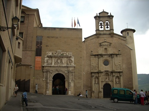 Nuestra%20Se%C3%B1ora%20de%20la%20Misericordia%20Ancient%20Hospital%2C%20Pamplona%20-%201.JPG