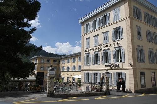 Hotel%20Saratz%2C%20Pontresina%20-%2001.JPG