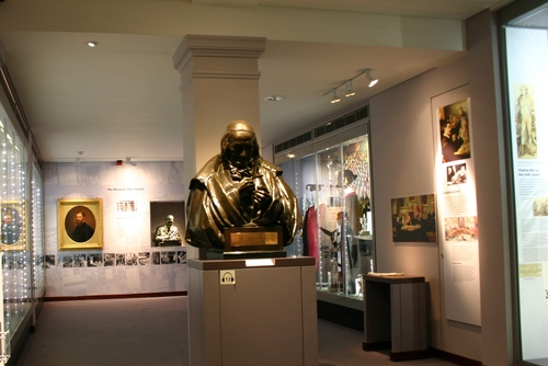 Hunterian%20Museum%2C%20Royal%20College%20of%20Surgeons%2C%20London%20-%2005.JPG