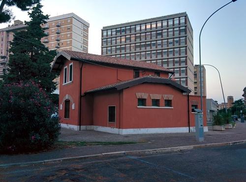 Istituto%20Antimalarico%20Pontino%2C%20Latina%20-%2001.jpg