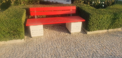Bench%20in%20the%20garden%20with%20words%20of%20some%20of%20his%20most%20famous%20literary%20works%20-%203.jpg