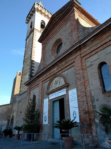 Leonardo%20da%20Vinci%27s%20baptismal%20font%20%282%29.jpg