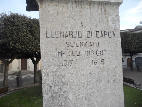 Leonardo%20Di%20Capua%27s%20bust%202.JPG
