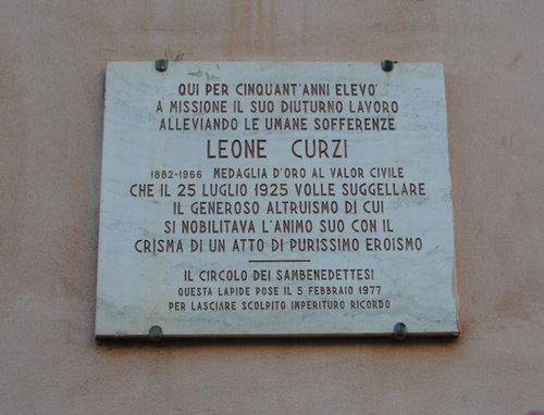 leone%20curzi%27s%20memorial%20tablet.jpg