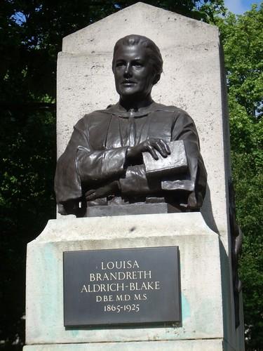 Louisa%20Aldrich-Blake%27s%20monument%2C%20London%20-%2003.JPG
