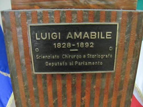 Luigi%20Amabile%27s%20bust4.JPG