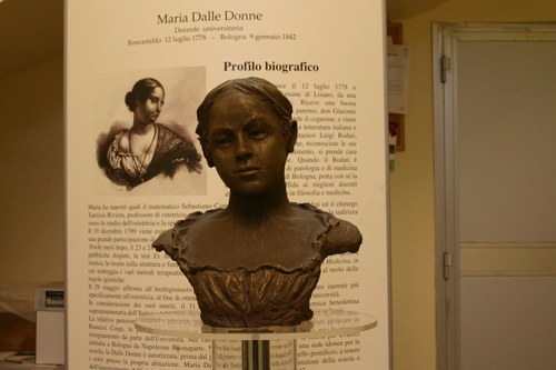 Maria%20Dalle%20Donne%27s%20bust%2C%20Loiano%20-%2003.JPG