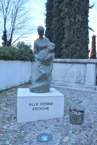 Monument%20to%20the%20Heroic%20Women%20of%20Castiglione%20%281%29.JPG