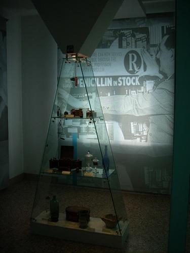 Museo%20di%20Storia%20della%20Medicina%2C%20La%20Sapienza%2C%20Rome%20-%2035.JPG