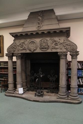 Memorial_Chimney_Piece_College_of_Physicians_of_Philadelphia_1.jpg
