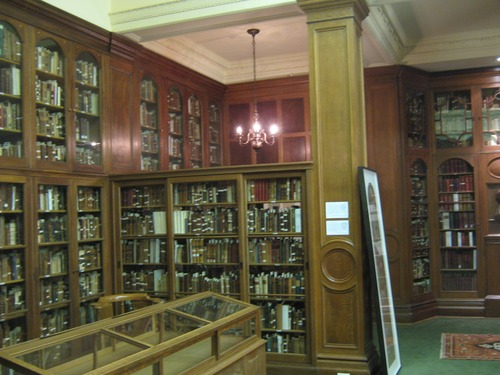 Osler%20Library%20of%20the%20History%20of%20Medicine%2C%20Montreal%20%28by%20Stefano%20Mastrodonato%29%20-%2007.JPG