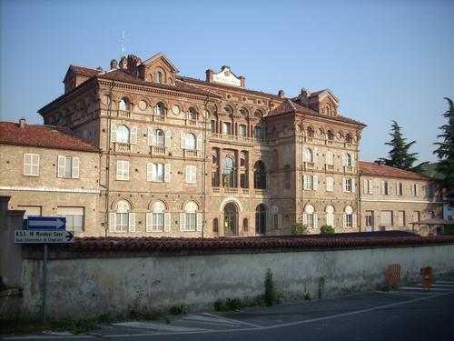 Ospedale%20Civico%2C%20Dogliani%2C%20Italy%20-%2002.JPG