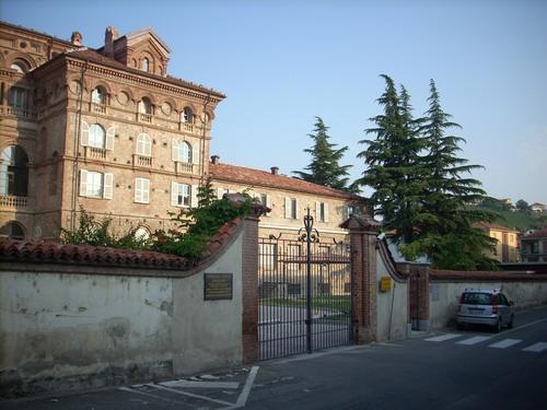Ospedale%20Civico%2C%20Dogliani%2C%20Italy%20-%2003.JPG