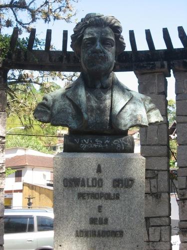 Oswaldo%20Cruz%27s%20bust%20%287%29.JPG