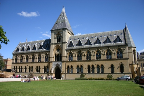 Oxford%20University%20Museum%20of%20Natural%20History%2C%20Oxford%2C%20UK%20-%2001.JPG