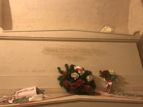 Marie%20Curie%27s%20tomb%20Paris%201.jpeg