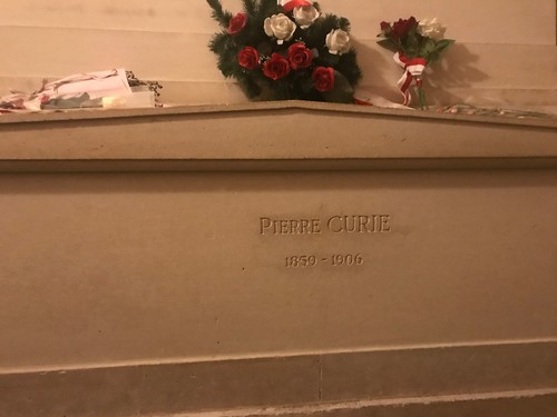 Pierre%20Curie%27s%20tomb%20Paris%201.JPG