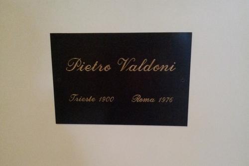 Pietro%20Valdoni%27s%20bust%2C%20Policlinico%20Umberto%20I%2C%20Rome%20-%2003.jpg