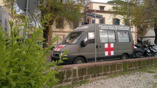 ambulanza%20militare.jpg