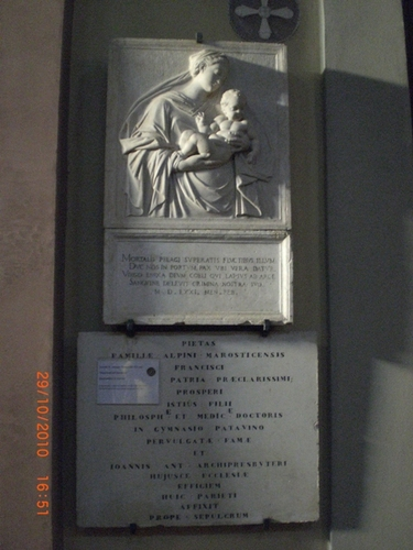 Prospero%20Alpin%27s%20bas-rilief%20and%20memorial%20tablet%20-%2005.JPG