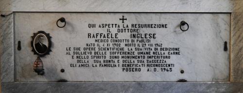 Raffaele%20Inglese%27s%20tomb-Paolisi1.jpg