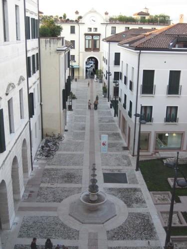 Cortile-interno-S-Leonardo.jpg